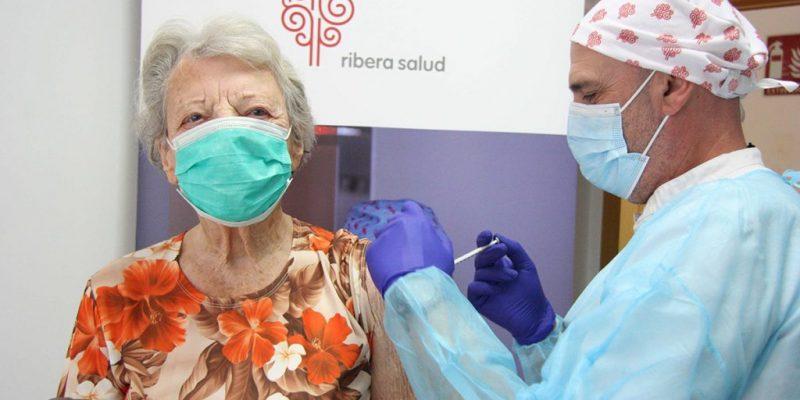 El Departamento de salud de Torrevieja comienza la vacunación contra la Covid19 a pacientes mayores de 90 años